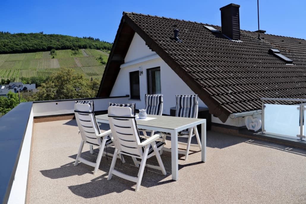 50 qm Terrasse mit Markise